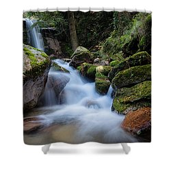 Shower Curtain featuring the photograph Rock To Rock Down by Edgar Laureano