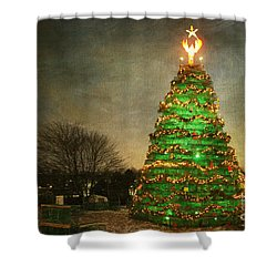 Rockland Lobster Trap Christmas Tree Shower Curtain