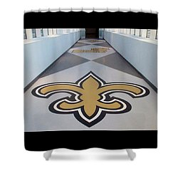Saints Are Coming - Benson Towers - New Orleans La Shower Curtain