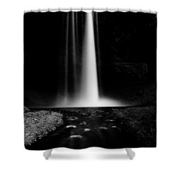 Smooth Light Shower Curtain