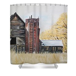 Golden Aged Barn -washington - Red Silo  Shower Curtain