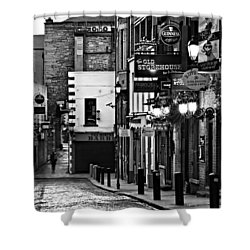 Shower Curtain featuring the photograph Temple Bar / Dublin by Barry O Carroll