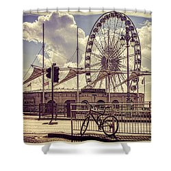 Shower Curtain featuring the photograph The Brighton Wheel by Chris Lord