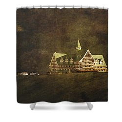 The Historic Prince Of Wales Hotel Shower Curtain by Roberta Murray