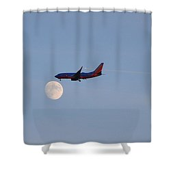 Shower Curtain featuring the photograph Southwest Airlines Flies To The Moon by Kelly Reber