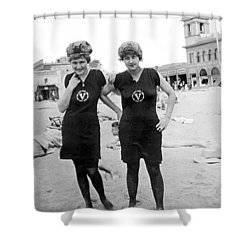 Two Girls At Venice Beach Shower Curtain by Underwood Archives