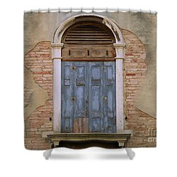 Venice Arched Bblue Shutters Horizontal Shower Curtain