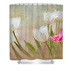 White Lily Show Shower Curtain