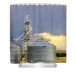 Shower Curtain featuring the photograph Kansas Farm by Jeanette C Landstrom