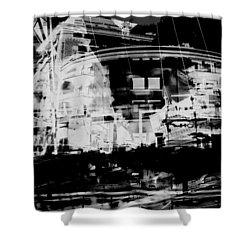 Metropolis Nacht Shower Curtain