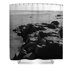 Shower Curtain featuring the photograph Oceanside Beach by Chriss Pagani