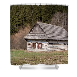 Shower Curtain featuring the photograph Old Log House by Les Palenik