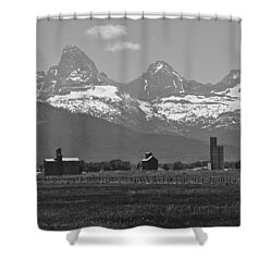Shower Curtain featuring the photograph Tetonia Grain Elevators by Eric Tressler
