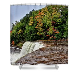 Shower Curtain featuring the photograph The Edge by Rachel Cohen