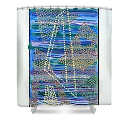 01330 Lean Shower Curtain