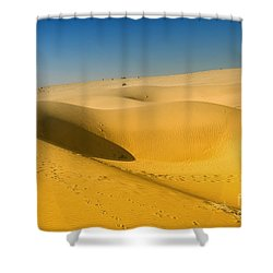 Shower Curtain featuring the photograph Khuri Desert by Yew Kwang