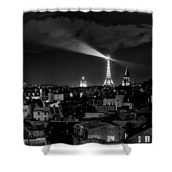 Shower Curtain featuring the photograph Paris by Hayato Matsumoto