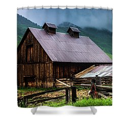 Shower Curtain featuring the photograph A Barn In Crested Butte by John De Bord