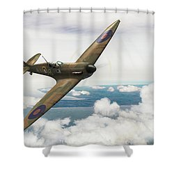 Shower Curtain featuring the photograph Al Deere In Kiwi IIi by Gary Eason