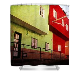 Shower Curtain featuring the photograph Alcala Red And Green Street by Anne Kotan