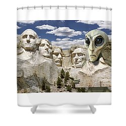 Alien Vacation - Mount Rushmore 2 Shower Curtain