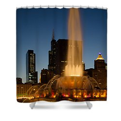 Night Time At Buckingham Fountain Shower Curtain
