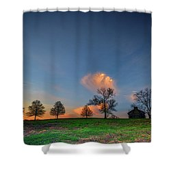Incroyable Cabin On The Ridge In Valley Forge Shower Curtain