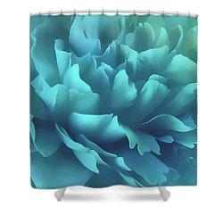 Shower Curtain featuring the photograph Caribbean Splash by Darlene Kwiatkowski