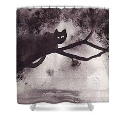 Chat Dans L'arbre Shower Curtain