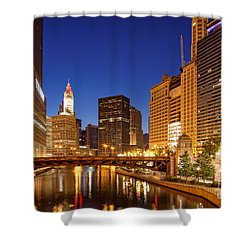 Chicago River Trump Tower And Wrigley Building At Dawn - Chicago Illinois Shower Curtain