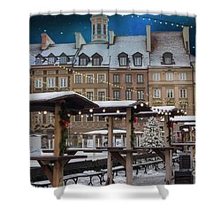 Shower Curtain featuring the photograph Christmas In Warsaw by Juli Scalzi
