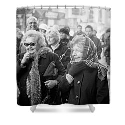 Shower Curtain featuring the photograph Christmas Laughs by Dave Beckerman