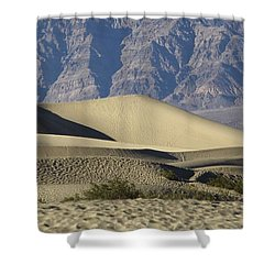 Shower Curtain featuring the photograph Curves Of Sand by Suzanne Oesterling