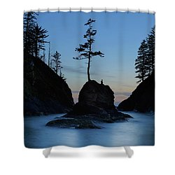 Deadman's Cove At Cape Disappointment At Twilight Shower Curtain