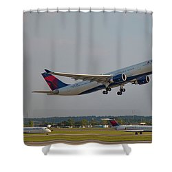 Delta Airlines Jet N827nw Airbus A330-300 Atlanta Airplane Art Shower Curtain