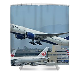 Shower Curtain featuring the photograph Delta Boeing 777-232lr N703dn Los Angeles International Airport May 3 2016 by Brian Lockett