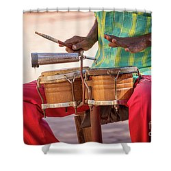 El Son De Cuba Shower Curtain
