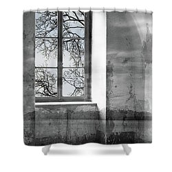 Shower Curtain featuring the photograph Emptiness by Munir Alawi