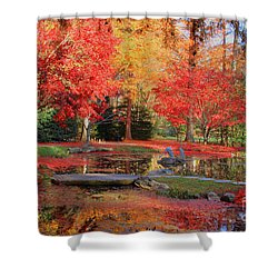 Shower Curtain featuring the photograph Fall Spendor by Geraldine DeBoer