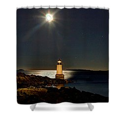 Fort Pickering Light 283 Shower Curtain