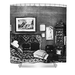 Freuds Consulting Room Shower Curtain by Science Source