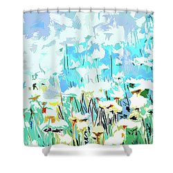 Shower Curtain featuring the photograph Garden by Alfonso Garcia