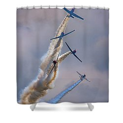 Shower Curtain featuring the photograph Geico Skytypers Tree Of Smoke by Rick Berk