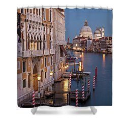 Shower Curtain featuring the photograph Grand Canal Twilight II by Brian Jannsen
