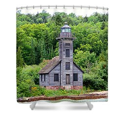 Shower Curtain featuring the photograph Grand Island East Channel Lighthouse #6549 by Mark J Seefeldt