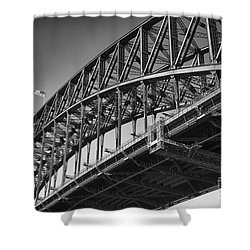 Shower Curtain featuring the photograph Harbor Bridge In Black And White by Yew Kwang