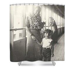 Shower Curtain featuring the photograph Hawaiian Cruise by Michael Krek