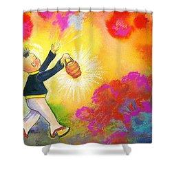 Hum Spreading Chi Shower Curtain