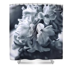 Hyacinth Plated Shower Curtain