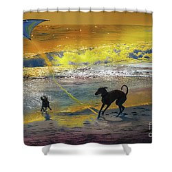 Shower Curtain featuring the photograph Juegos De Playa by Alfonso Garcia
